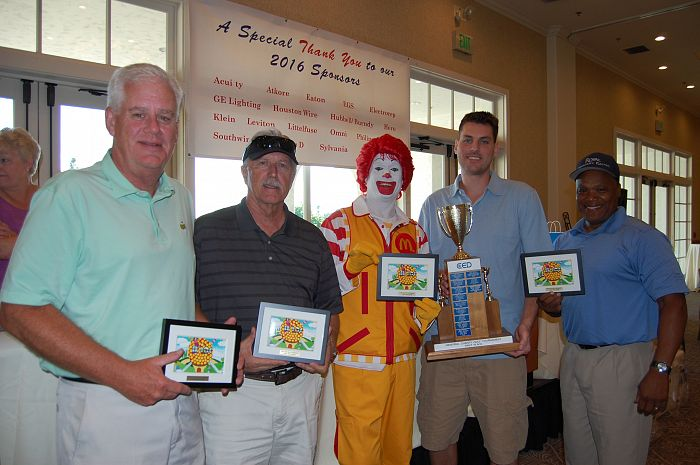 CED Golfers with Ronald